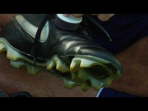 Soccer Tips : How to Care for Soccer Cleats